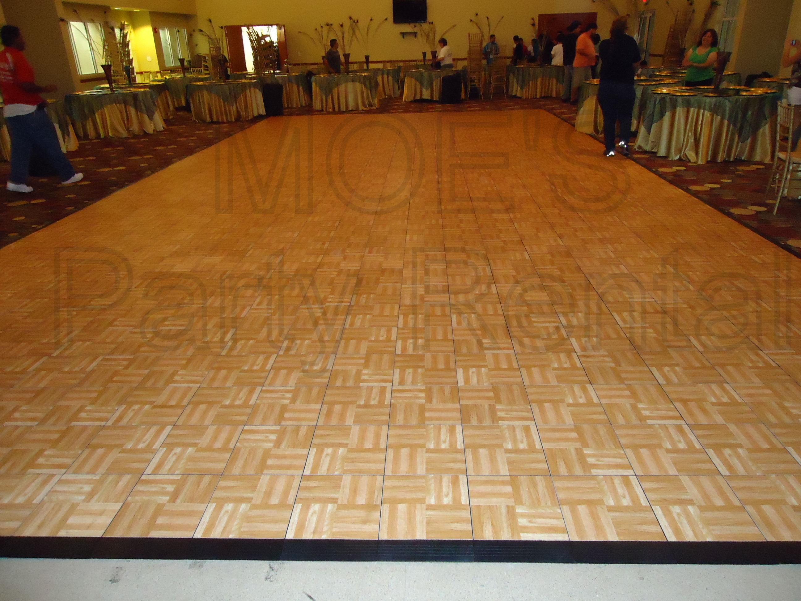 20 X 40 Oak Laminate Dance Floor